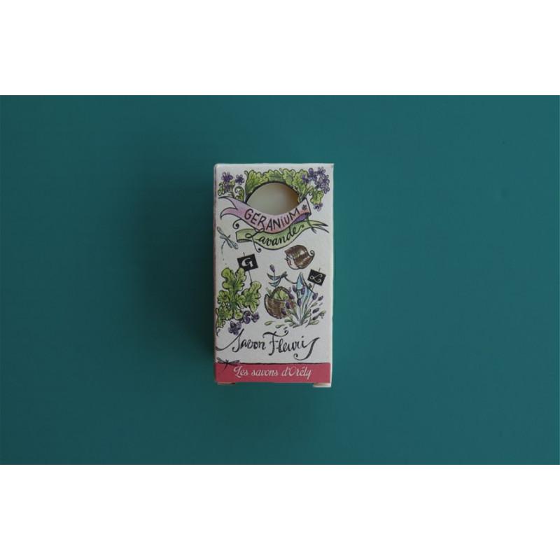 Savon-bio-spiruline-geranium-vegan-surgras-fait-main-saponification-a-froid
